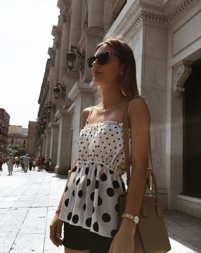 Outfit POLKA-DOTS by The Gold Lipstick